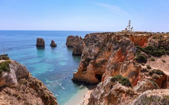 Португалия: стоит ли посетить город Лагуш