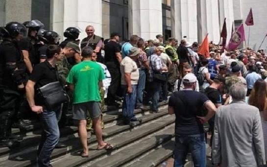 Еще раз по поводу протеста и столкновений возле ВР