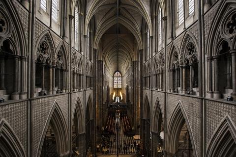 Gucci покажет круизную коллекцию в Вестминстерском аббатстве