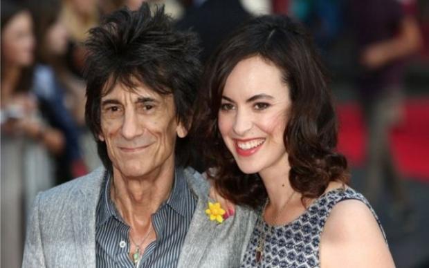 У 69-летнего гитариста Rolling Stones родились близняшки
