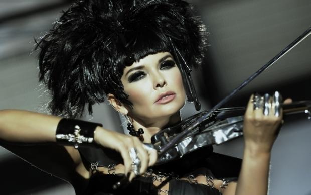 Ассия Ахат объявила о возвращении на сцену