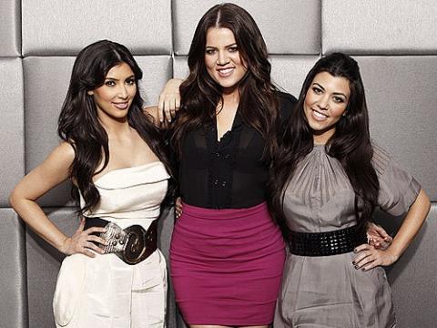 Ким Кардашьян с сестрами запустит собственную линию косметики