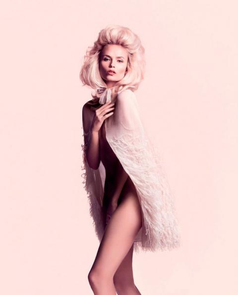 Модель Наташа Поли обнажилась для фотосессии Givenchy