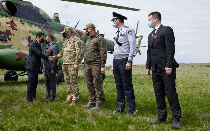 Зеленський з послами G7 і ЄС відправився на Донбас