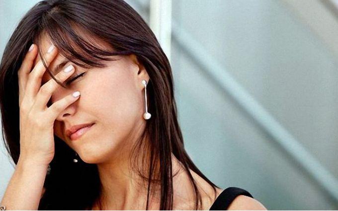 Коли пора бігти до лікаря: 10 ознак проблем з гормонами