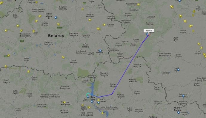 Літак з російськими ГРУшниками летить до Москви (1)
