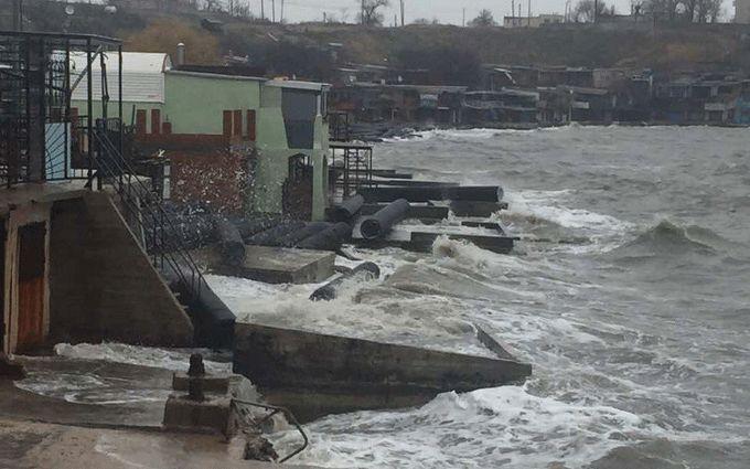 У оккупантов Крыма проблемы с Керченским мостом: появились фото и видео