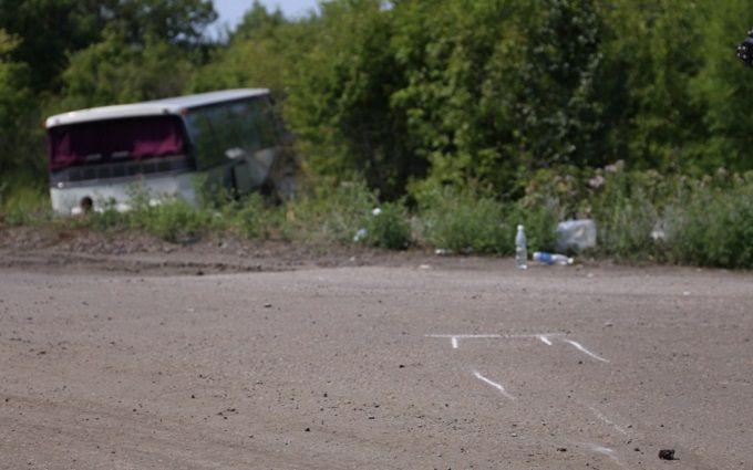 """Автобус """"Москва-Горлівка"""" потрапив у ДТП, є постраждалі: з'явилися фото"""