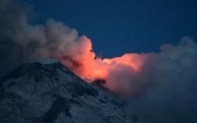 Начал извергаться крупнейший вулкан в Европе: опубликовано видео