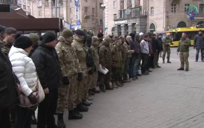В центре Киева захватили отель и грозят устроить новый Майдан: появились фото и видео