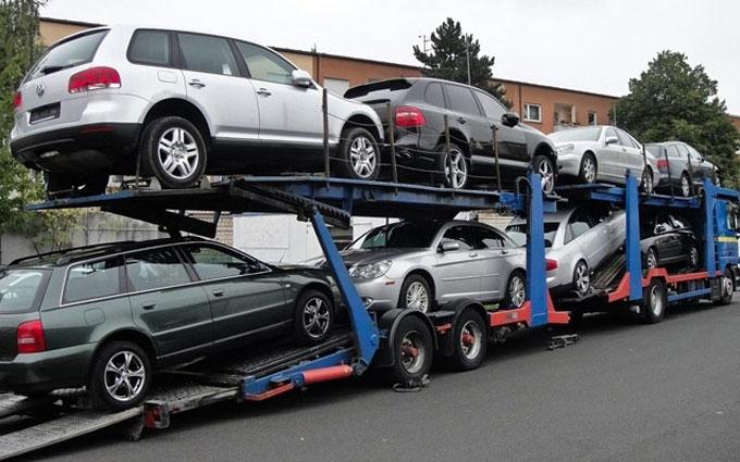 В Украине сильно упал экспорт автомобилей: импорт растет