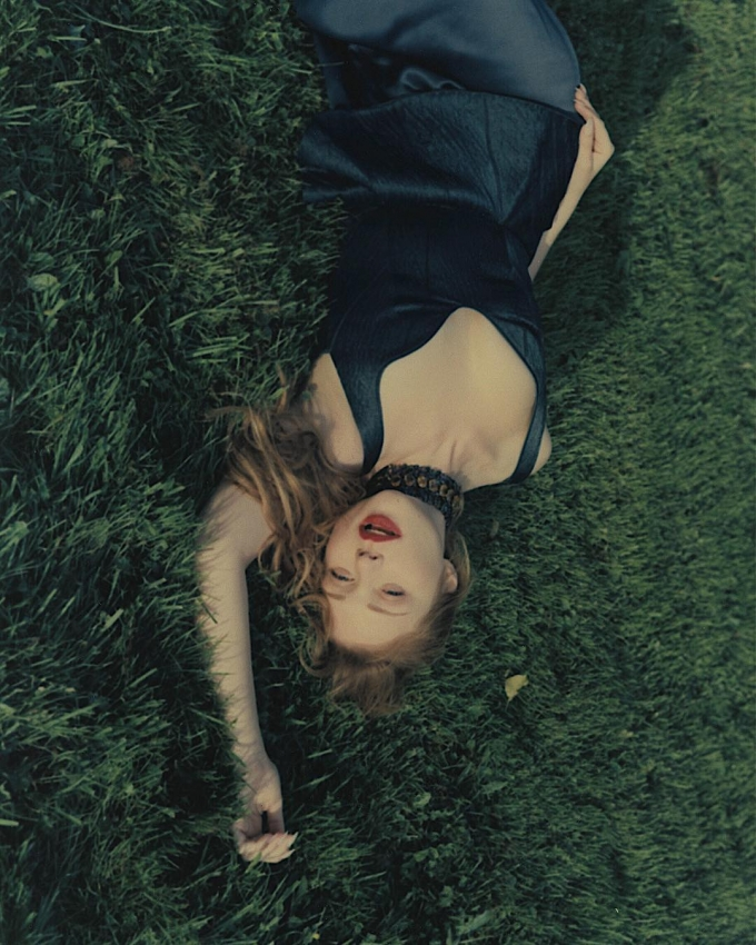 Жаркая красотка: Тина Кароль заворожила новыми откровенными фото (3)