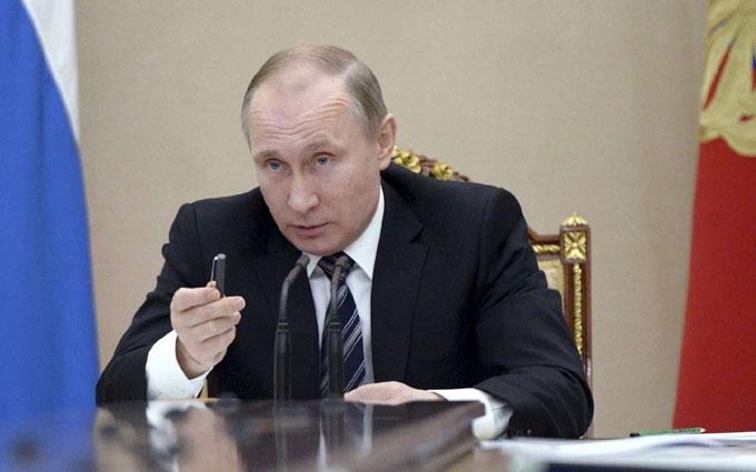 Відомий карикатурист висміяв останні кадрові перестановки Путіна