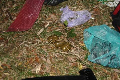 СБУ знайшла в Сумах схованку з гранатами і патронами (3 фото) (2)