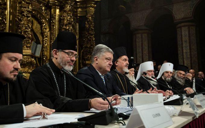Об'єднавчий собор прийняв історичне рішення і обрав главу автокефальної церкви України
