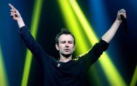 Океан позитива: Вакарчук снял восторженную публику на своем концерте в Париже, появилось видео