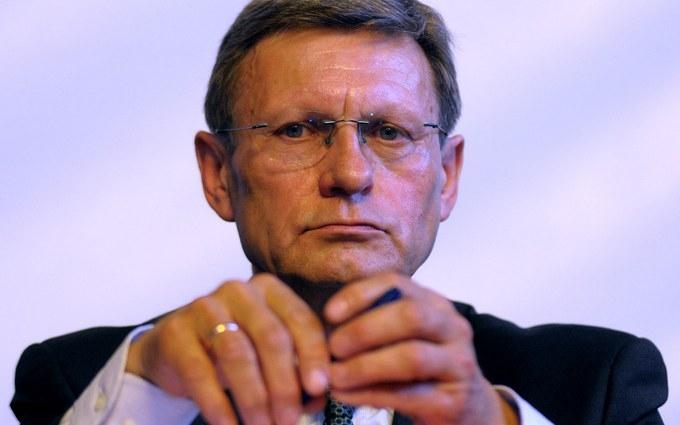 СМИ узнали, что в премьеры зазывают легендарного польского политика