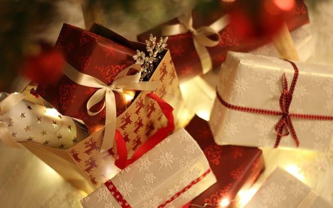 Що подарувати на Новий рік 2019: найкращі подарунки для рідних, коханих, дітей та колег
