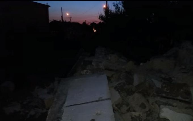 Окупанти в Криму перетворюють пляжі на автостоянки: опубліковано відео