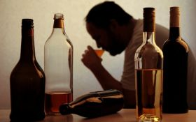 Вчені назвали дієві ліки від алкоголізму