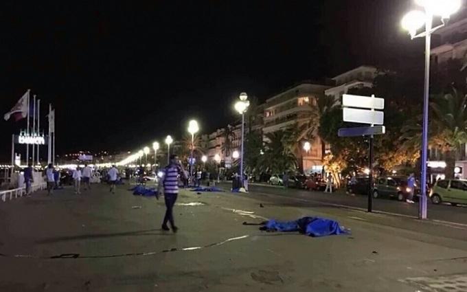 Вантажівка смерті: очевидці розповіли нові подробиці теракту в Ніцці