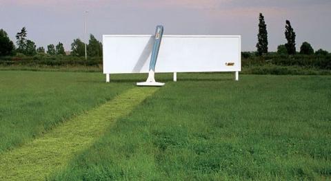 Яскраві приклади вуличної реклами, на яку варто подивитися двічі (21 фото) (1)