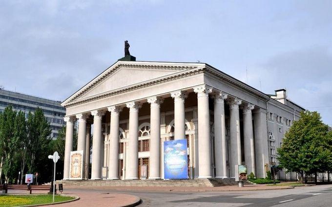 Сепаратисти в ДНР взялися за театр і вразили відсутністю фантазії