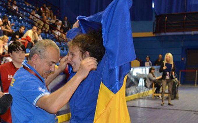 Украинская самбистка эффектно победила россиянку в битве за золотую медаль