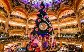 Самые оригинальные и необычные новогодние елки в мире: впечатляющие фото и видео