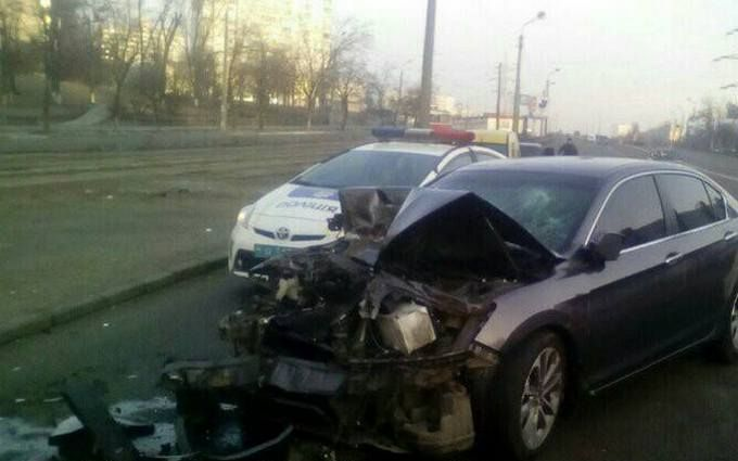 В Киеве погоня за стритрейсерами вылилась в стрельбу и драку: появились фото и видео