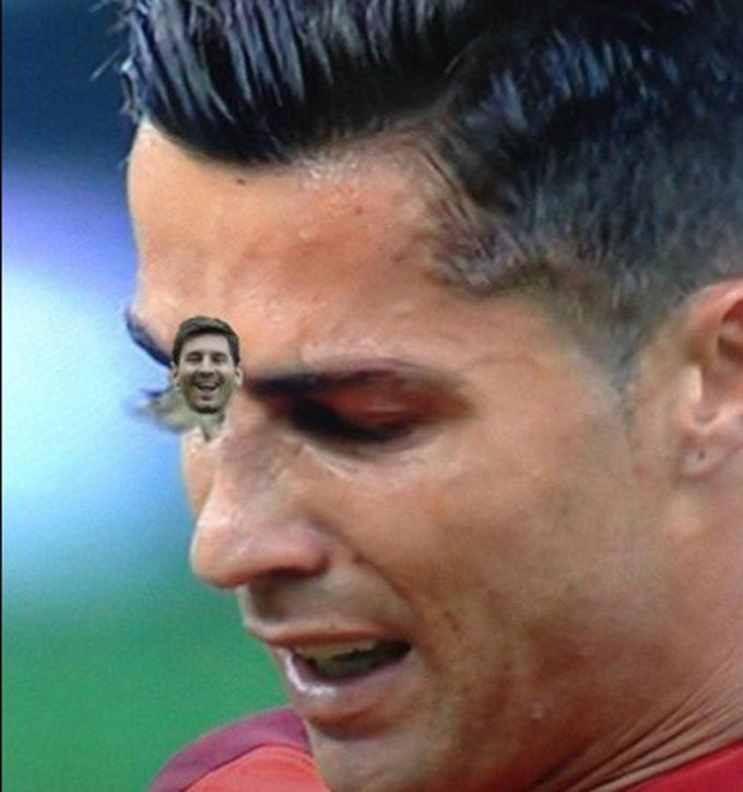Роналду і метелик в фіналі Євро-2016 стали героями моря фотожаб (2)