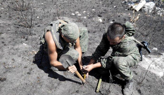 Бойцы АТО подорвались на растяжке, есть погибший - СМИ