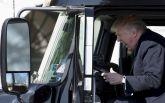 Трамп в роли дальнобойщика стал хитом соцсетей: появилось видео