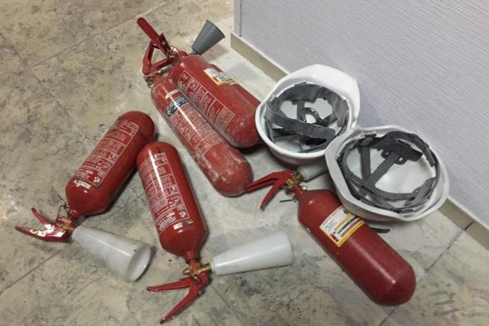 """Співробітники """"Інтера"""" показали важливі фото і відео наслідків пожежі (1)"""