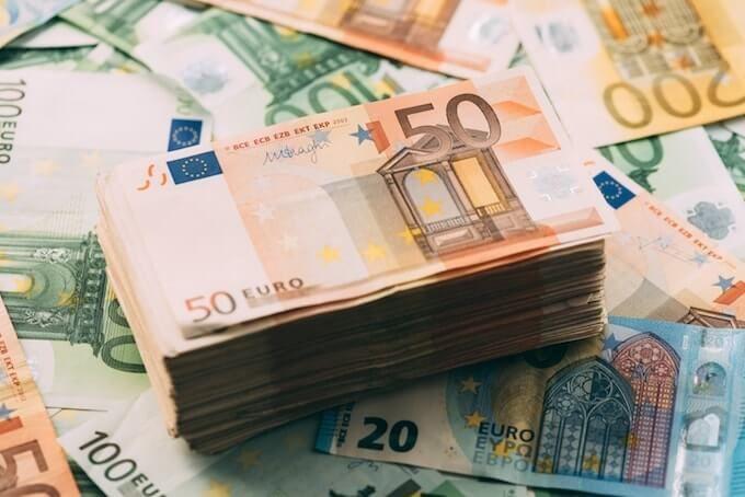 Курс валют на сегодня 9 ноября - доллар подорожал, евро подешевел