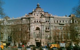 Ради искусства: обнаженный мужчина станцевал для защиты памятника архитектуры в Одессе