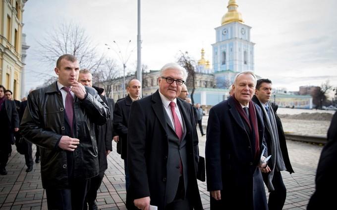 На Западе пояснили, зачем в Украину приезжали видные дипломаты из ЕС
