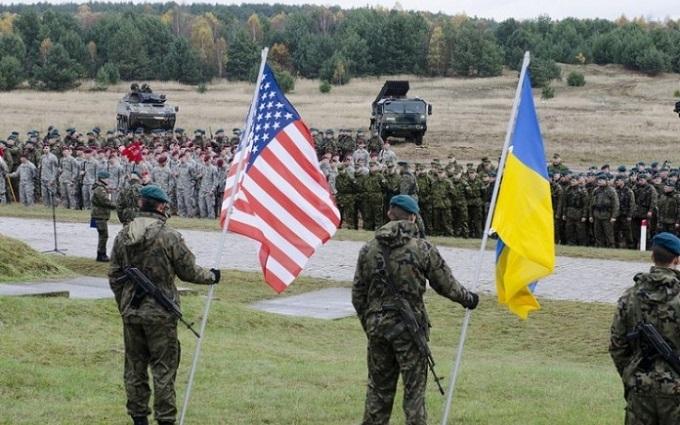 Экс-послы США в Украине: Обама мог бы сделать для Киева больше