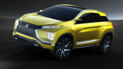 Mitsubishi показала прототип електричного кросовера під назвою eX (5 фото)