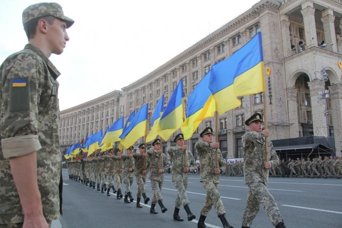 Ракеты, танки и авиация: опубликованы зрелищные фото и видео репетиции парада в Киеве (1)