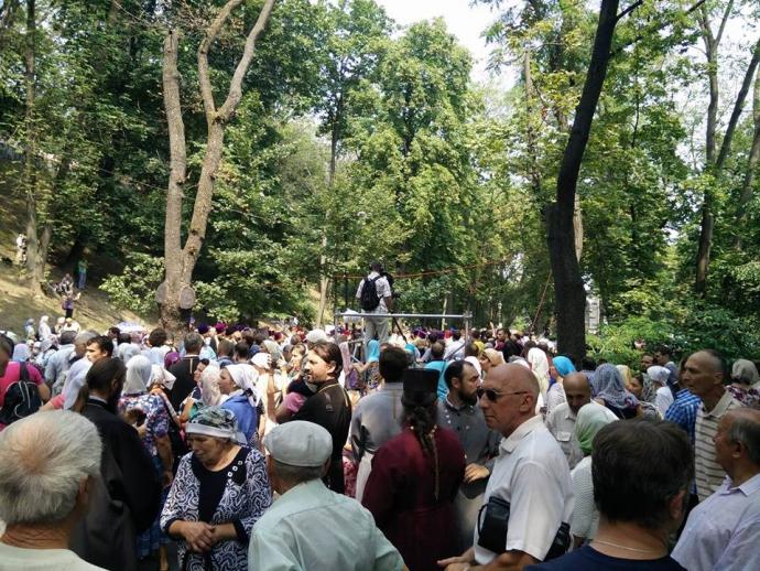 Хресна хода в центрі Києва: на молебень приїхав глава УПЦ МП та депутати Оппоблока (1)