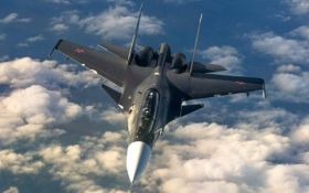 Военный самолет ВВС Франции случайно скинул бомбу на завод