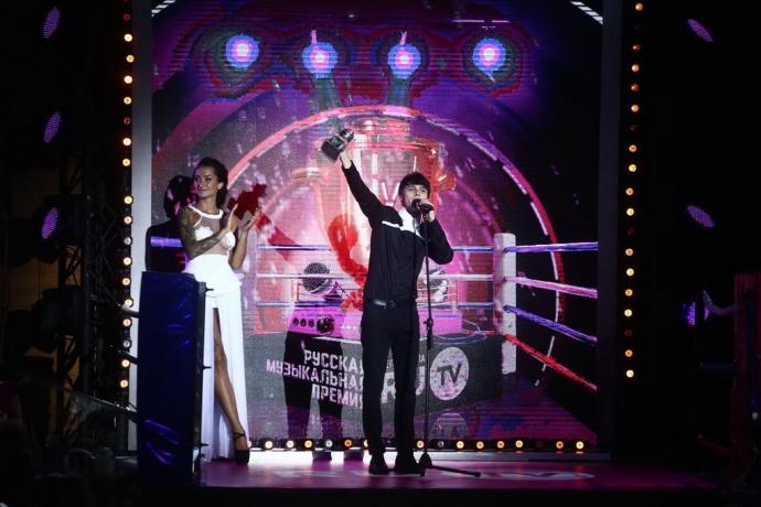 Українські артисти засвітилися на музичній премії в Росії: опубліковані фото (5)