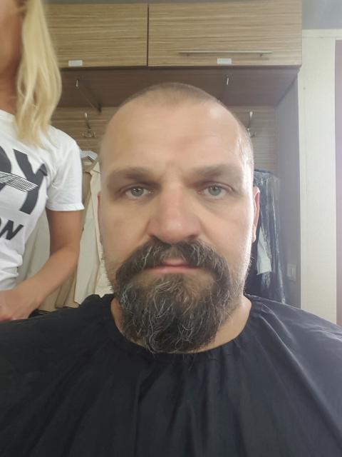 Вірастюк пожертвував бородою заради ролі (1)
