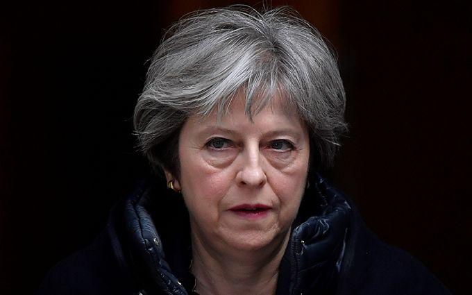 Прем'єр-міністерка Британії Тереза Мей потрапила в ДТП - є постраждалі