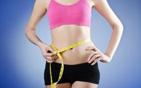 Диетолог объяснила, как избавиться от жира на животе