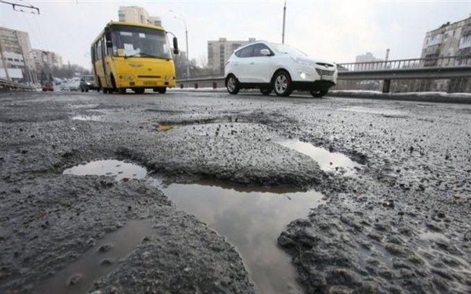 Укравтодор решил больше незакладывать ямы на трассах