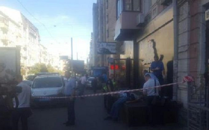 У Києві чоловіка вбили біля стриптиз-клубу: опубліковано фото