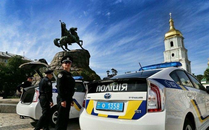 Полицию Киева перевели в чрезвычайный режим работы