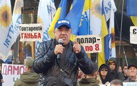 Політолог пояснив причини більшої популярності акції Рабіновича під Нацбанком, ніж мітингу під Радою